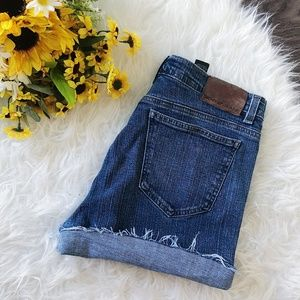 DKNY HIGHWAISTED DENIM SHORTS